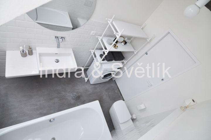 Pronájem, byt 1+kk, 43 m2, ul. Nikoly Tesly, Praha 6 - Dejvice