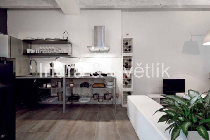 Prodej, byt 2+kk, 41, 6m2, sklepní kóje 5,25 m2, ul. U Školičky, Praha 9