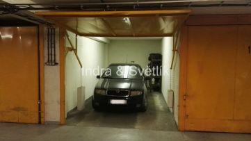 Samostatná garáž v garážovém domě, ul. Na Chobotě, Praha 6 - Řepy