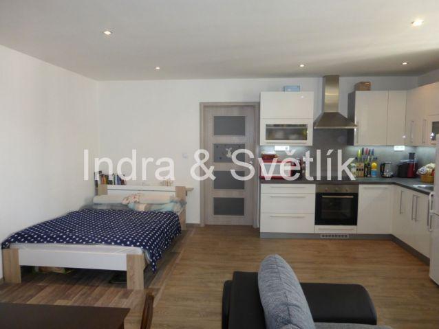 Prodej, byt 1+kk, 42,2 m 2, sklep 8 m2, cihla, ul. Americká, Plzeň