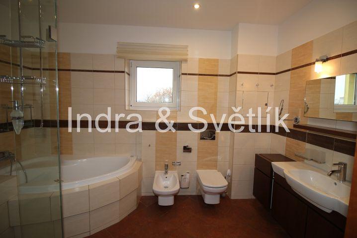 Pronájem, byt 3+kk, 103,87 m2, 2 terasy (22 m2 a 12 m2), ul. Radiová, Plzeň 4 - Doubravka